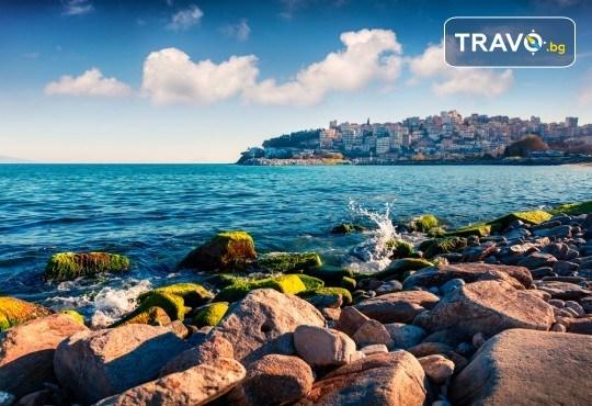Почивка през лятото в Кавала на супер цена! 7 нощувки със закуски и вечери в Hotel Oceanis 3*, транспорт и трансфер до плажовете Амолофи, Неа Ираклица и Каламица - Снимка 2