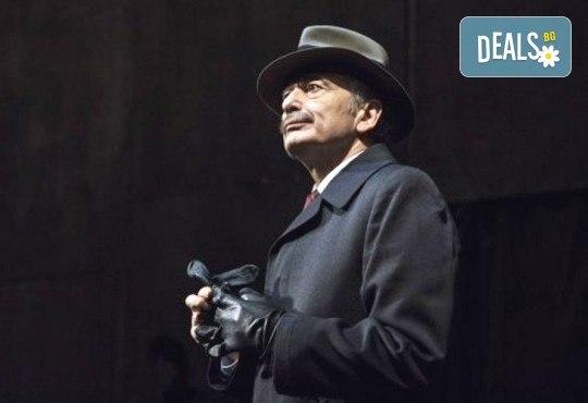 Деян Донков и Лилия Маравиля в Палачи от Мартин МакДона, на 11.03. от 19 ч. в Театър София, билет за един - Снимка 10
