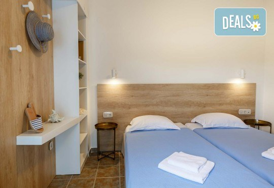 Ранни записвания за почивка през юни или септември в Hotel Marialena 3* в Неа Флогита, Халкидики! 7 нощувки със закуски и вечери, възможност за транспорт - Снимка 8