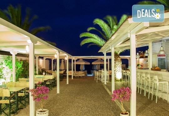 Ранни записвания за почивка през юни или септември в Hotel Marialena 3* в Неа Флогита, Халкидики! 7 нощувки със закуски и вечери, възможност за транспорт - Снимка 11