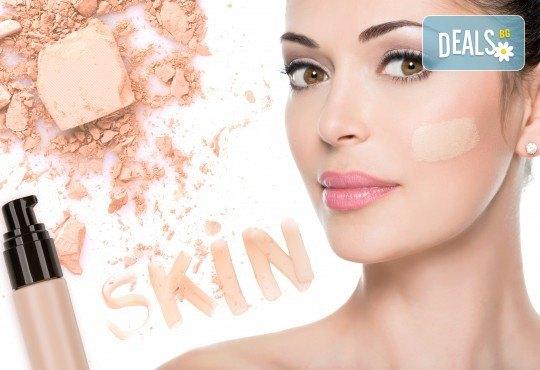 Влагане на серум BB Glow чрез Derma Pen за равномерен и сияен тен на лицето в студио за красота Нова - Снимка 2