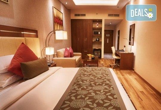 Майски празници в Дубай! 5 нощувки със закуски в Rose Park Hotel 4*, самолетен билет и трансфери, сафари в пустинята и круиз в Дубай Марина - Снимка 10