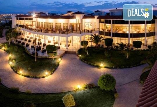 Супер промо за почивка в Египет през март! 7 нощувки All Inclusive в Grand Seas Resort Hostmark 4*, Хургада, самолетен билет с директен чартърен полет и трансфери - Снимка 8