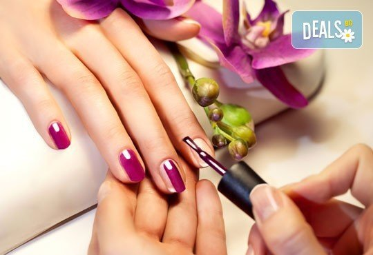 Красиви ръце! Маникюр с гел лак Bluesky или Secretly, 2 рисувани декорации и подарък сваляне на гел лак в Beauty studio Devora - Снимка 4