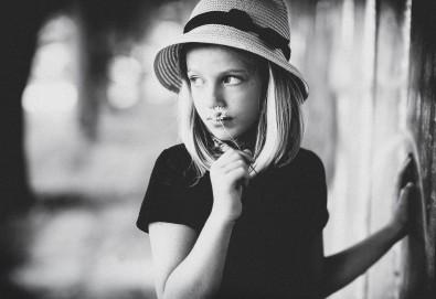 Семейна, детска или индивидуална фотосесия в студио, в дома на клиента или на открито от Фото Студио Амели - Снимка