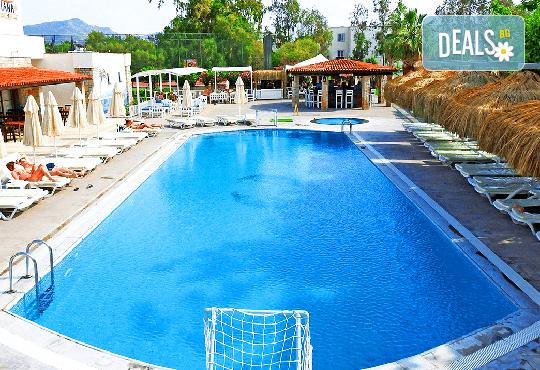 Промо цени за почивка през май в Tiana Beach Resort 3*+, Бодрум! 5 или 7 нощувки на база All Inclusive, възможност за транспорт - Снимка 1