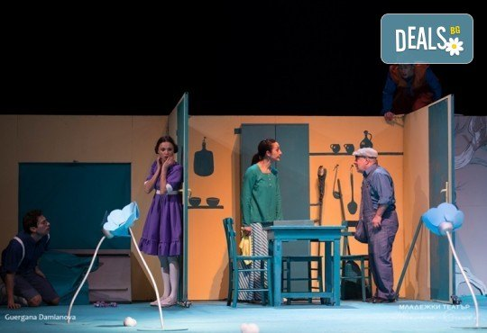 На театър с децата! Гледайте новата приказка Хензел и Гретел на 14.03. от 11 ч. в Младежки театър, голяма сцена! Билет за един - Снимка 9