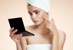С грижа за Вашата кожа! Ултразвуково или комбинирано почистване на лице в салон за красота Женско царство в Центъра! - Снимка
