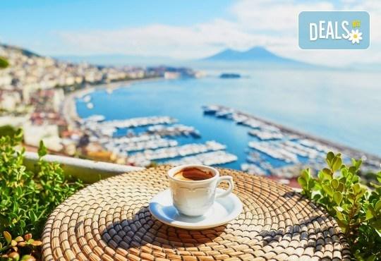 Романтика в Южна Италия! 5 нощувки със закуски, транспорт, посещение на Неапол, Херкулан, Алберобело, Везувий и Помпей - Снимка 5