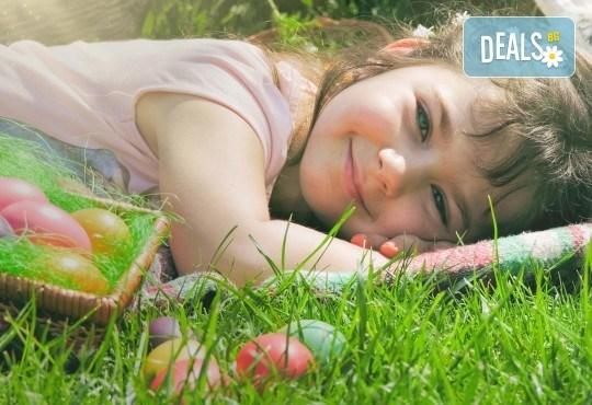 Детска или семейна фотосесия на открито с 5 или 15 обработени кадъра от фотограф София Асеникова - Снимка 1