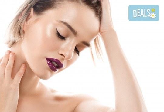 Дамско или мъжко подстригване, масажно измиване с професионални италиански продукти и прическа със сешоар в салон Atelier Des Fleurs - Снимка 1