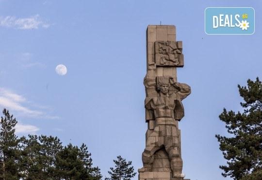 На 11.04. екскурзия до Копривщица и Панагюрище: транспорт и водач