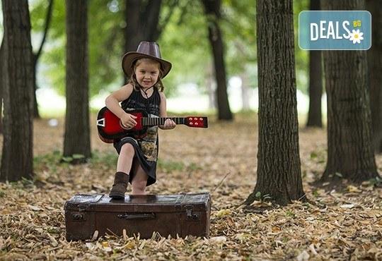 Професионална детска или семейна фотосесия по избор, в студио или външна и обработка на всички заснети кадри от Chapkanov Photography - Снимка 6
