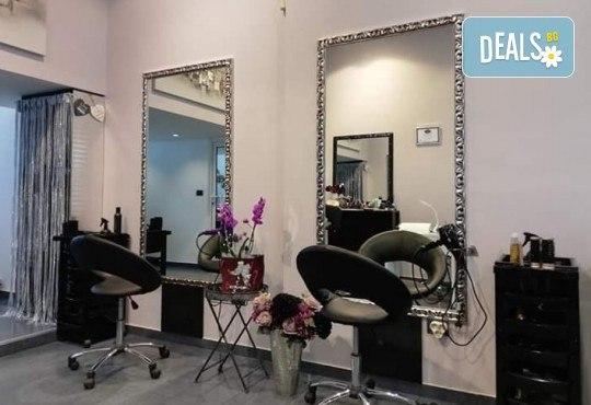 Спрете времето с комбинирана подмладяваща терапия за лице! Радиочестотен лифтинг, криотерапия за затваряне на порите и LED терапия в Narmaya beauty lounge - Снимка 6