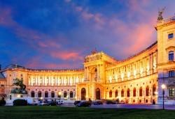 Екскурзия до аристократичната Виена! 4 нощувки със закуски в хотел 3*, самолетен билет за полет от София, екскурзоводско обслужване - Снимка