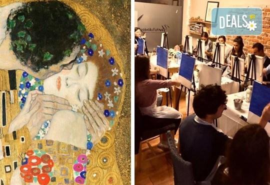 3 часа рисуване на тема Целувката по Климт на 26.04. с напътствията на професионален художник + чаша вино и минерална вода в Арт ателие Багри и вино - Снимка 1