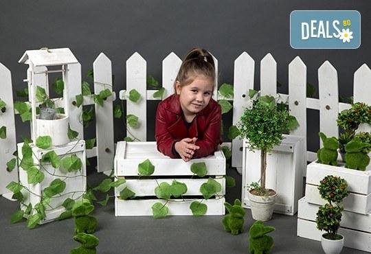 Индивидуална, детска или семейна фотосесия в студио и обработка на всички заснети кадри от Chapkanov photography! - Снимка 12