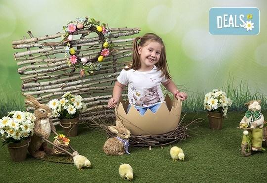 Индивидуална, детска или семейна фотосесия в студио и обработка на всички заснети кадри от Chapkanov photography! - Снимка 5