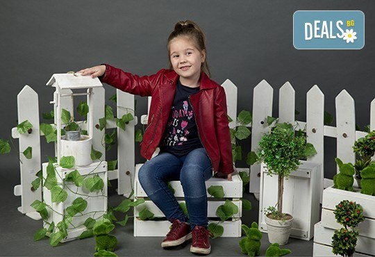 Индивидуална, детска или семейна фотосесия в студио и обработка на всички заснети кадри от Chapkanov photography! - Снимка 6