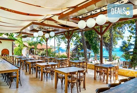 Почивка през юни в Hotel Esperia 3* на остров Тасос! 5 нощувки със закуски и вечери, транспорт - Снимка 9
