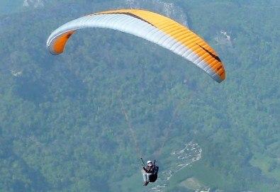 Тандемен полет с парапланер край Витоша, Чепън планина до Драгоман и Конявска планина до Кюстендил + видеозаснемане от Para Emotion - Снимка