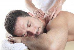 СПА пакет за Него! Лечебен масаж на гръб, масаж Уморени крака и чаша вино в масажно студио Спавел - Снимка