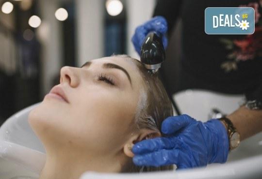 Подстригване, терапия с професионални продукти в 4 стъпки - с кератин и колаген или дълбоко възстановяваща, прическа със сешоар, преса или плитка в Женско царство - Центъра или Студентски град - Снимка 4