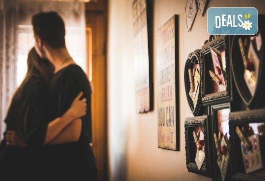 Подарете на себе си и любимия човек! Тематична фотосесия за двойки и обработка на всички заснети кадри от Tsvetoslav Kostov Photography - Снимка 3
