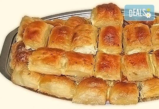 1 или 2 килограма домашна баница със сирене на хапки от Работилница за вкусотии РАВИ + включена доставка за цяла София - Снимка 1