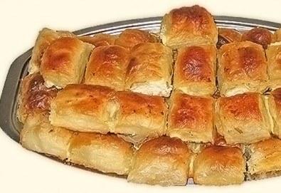 1 или 2 килограма домашна баница със сирене на хапки от Работилница за вкусотии РАВИ + включена доставка за цяла София - Снимка