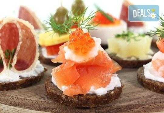 За Вашия специален повод! Вземете микс от 170 солени и сладки хапки от H&D catering - Снимка 3