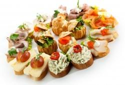 За Вашия специален повод! Вземете микс от 170 солени и сладки хапки от H&D catering - Снимка