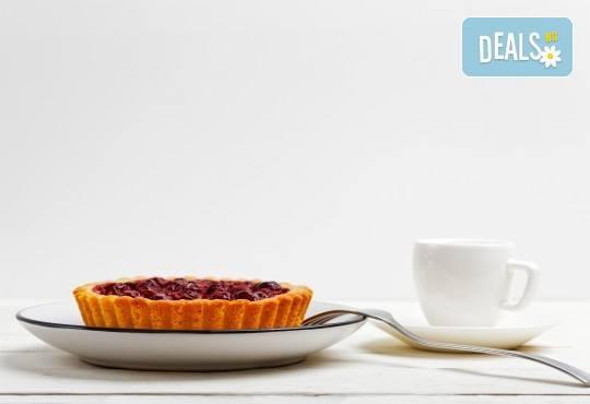 За вашия повод! 30 мини чийзкейкчета с течен шоколад или плодово сладко от Кетърингхапки.com - Снимка 1