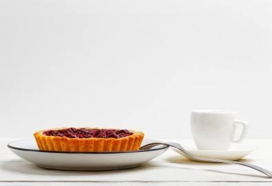 За вашия повод! 30 мини чийзкейкчета с течен шоколад или плодово сладко от Кетърингхапки.com - Снимка