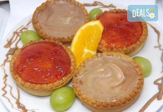 За вашия повод! 30 мини чийзкейкчета с течен шоколад или плодово сладко от Кетърингхапки.com - Снимка 3