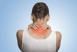 Преглед при кинезитерапевт, лечебен масаж при гръбначни изкривявания + лазерна терапия или инверсионна терапия в Samadhi - Снимка