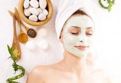 Подмладяващ масаж 3 в 1 на лице, деколте и шия + маска с колаген и водорасли и линфодренаж в студио за красота Нова - Снимка