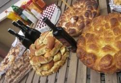 Солени кифли със сирене, кашкавал или шунка и кашкавал - 1 или 2 килограма от Работилница за вкусотии Рави + доставка - Снимка
