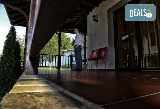 Фото и видеозаснемане на сватбено тържество с включени арт фотосесия, видеоклип, монтаж и подарък: флашка с гравиран надпис по избор от New Line Production - Снимка 22
