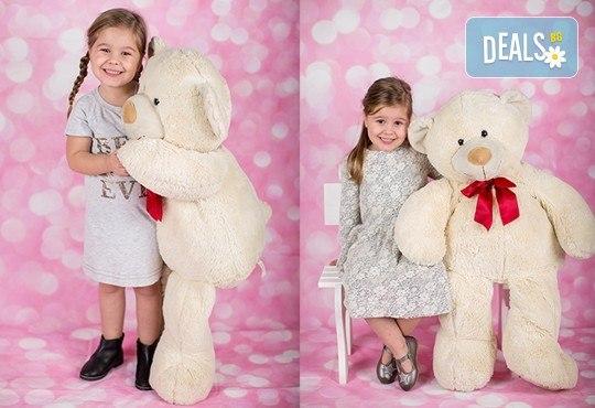 Професионална детска или семейна външна фотосесия и обработка на всички заснети кадри от Chapkanov Photography - Снимка 20