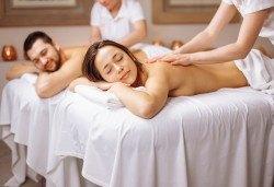 Блаженство за двама! 60-минутен релаксиращ масаж на цяло тяло за двойки и бонус: масаж на лице от Студио за красота Giro - Снимка