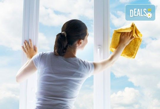 Почистване на прозорци и дограма + машинно пране на мека мебел,