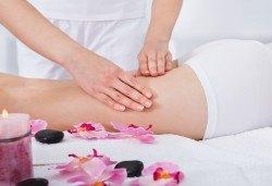 Мощна 80-минутна антицелулитна моделираща терапия - ръчен масаж, кавитация или RF по избор с иновативна гипс маска + терапия ръце в Салон за красота Вили - Снимка