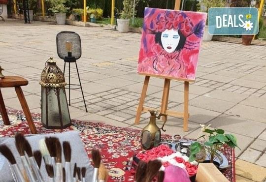 Романтика на 24-ти май! 3 часа рисуване на открито на тема Париж, с напътствията на професионален художник + чаша вино и минерална вода в Арт ателие Багри и вино - Снимка 7