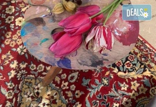 Романтика на 24-ти май! 3 часа рисуване на открито на тема Париж, с напътствията на професионален художник + чаша вино и минерална вода в Арт ателие Багри и вино - Снимка 3
