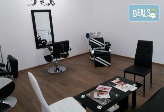 Терапия за коса, оформяне със сешоар и стилизиране на прическа в салон за красота Bibi Fashion! - Снимка 8