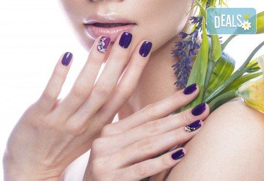 Пролетни цветове! Класически или френски маникюр с гел лак Bluesky и 2 декорации в салон за красота Diva - Снимка 3