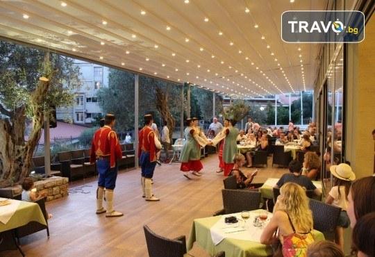 4-звездна почивка в Черна гора! 5 нощувки със закуски и вечери във Vilе Oliva, транспорт, фотопауза на Шкодренското езеро и о-в Свети Стефан - Снимка 7