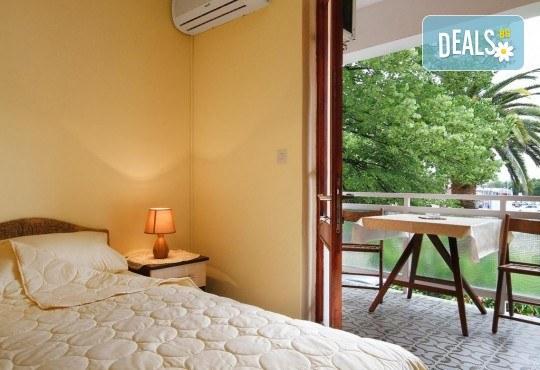 Лятна почивка на Черногорската ривиера! 5 нощувки със закуски и вечери във Hotel Boris, транспорт, фотопауза на Шкодренското езеро, каньона на р. Ибър и р. Морача - Снимка 3