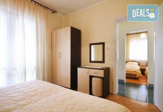 Лятна почивка на Черногорската ривиера! 5 нощувки със закуски и вечери във Hotel Boris, транспорт, фотопауза на Шкодренското езеро, каньона на р. Ибър и р. Морача - Снимка 5